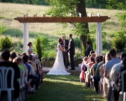 A Short Drive South Of Kansas City Elysian Gardens Is One The Most Wonderful Wedding Venues Available Today We Combine Artistic Outdoor Architecture