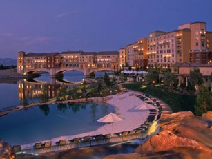 Ravella Lake Las Vegas Resort & Spa