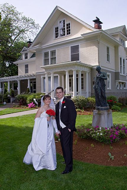 Schmidt house tumwater wedding